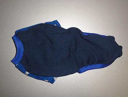 画像2: 紺(綿起毛)×青に白ハート(ジャガード)(半袖)トレーナー3号 (2)