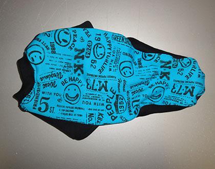 画像2: 水色スマイル×黒(綿裏起毛)(半袖)トレーナー4号 (2)